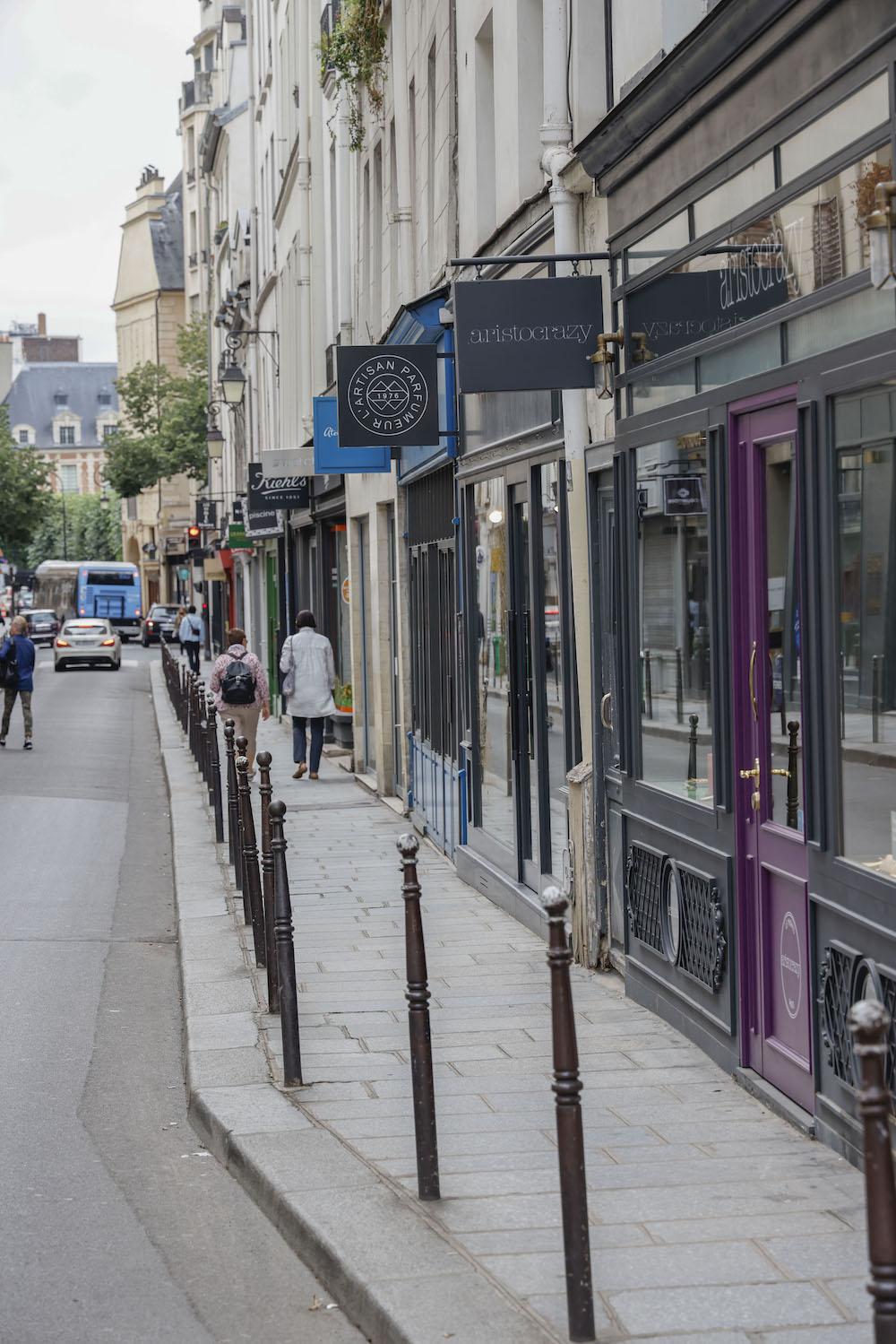 Rue commercante, Scoopitone, Label Images, Paris, Boutiques, France, Loïc Baratoux, FFEF, Phototheque CDNA. Photo: Loïc Baratoux/Label Images